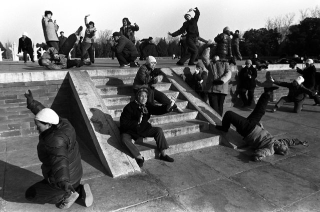 People perform Arhat exercise, a form of traditional Chinese fitness, at a park in Beijing in 1988. (Photo by Reuters/China Daily)