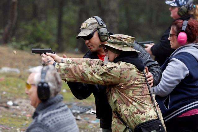 Brandon Rapolla, a founder of the Pacific Patriots Network, leads a firearms handling and safety class in Grants Pass, Oregon, U.S. March 26, 2016. (Photo by Jim Urquhart/Reuters)