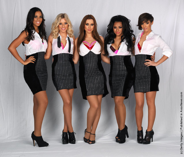 Rochelle Wiseman, Mollie King, Una Healy, Vanessa White and Frankie Sandford of The Saturdays pose backstage before a dress rehearsal before the first night of their 'All Fired Up!' tour
