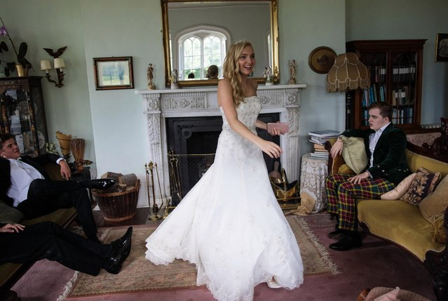 Debutante Amira Rayner, 19, from Kent prepares at Boughton Monchelsea Place ahead of the Queen Charlotte's Ball on September 9, 2017 in Maidstone, England. (Photo by Jack Taylor/Getty Images)