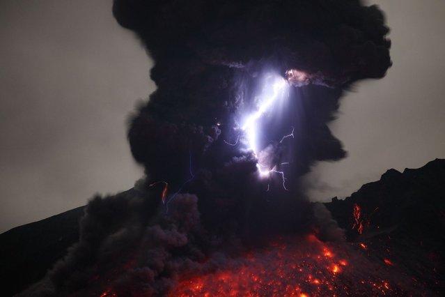 "Rietze said: ""I waited around four days for Sakurajima to produce repeated lightning events"". (Photo by Martin Rietze/Guzelian)"
