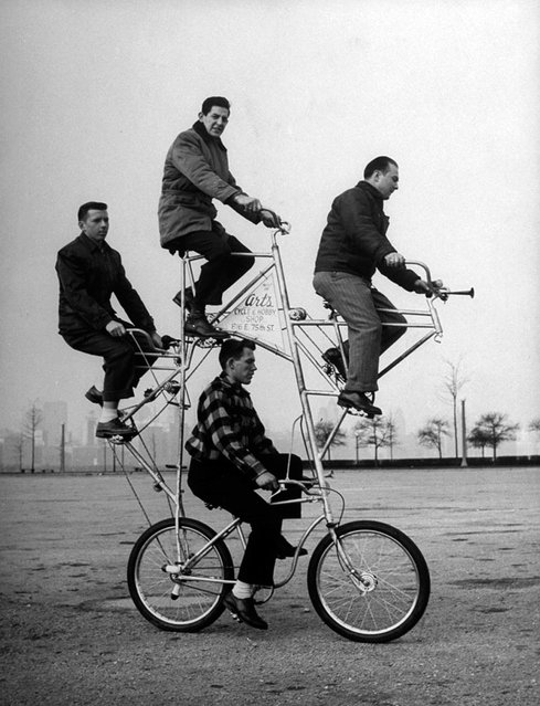 Four-man bicycle is powered by five chains and has brakes on both its wheels, 1948. The bike was built by Art Rothschild (top position) who broke three ribs while learning how to ride it. (Photo by Wallace Kirkland/Time & Life Pictures)
