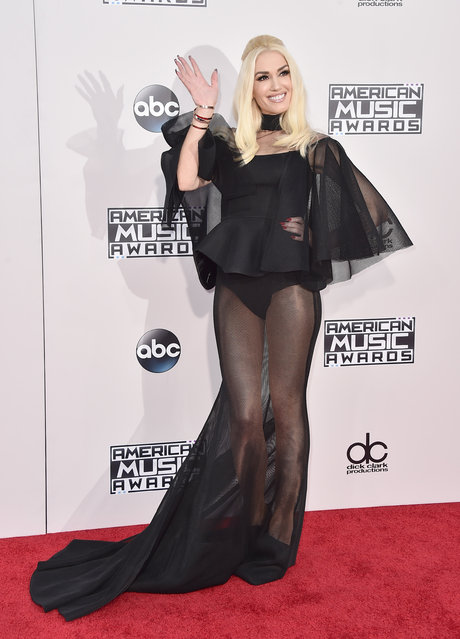 Gwen Stefani arrives at the American Music Awards at the Microsoft Theater on Sunday, November 22, 2015, in Los Angeles. (Photo by Jordan Strauss/Invision/AP Photo)