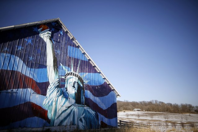 A barn is painted with an image of the Statue of Liberty and a U.S. flag in Mt. Vernon, Iowa, March 8, 2015. (Photo by Jim Young/Reuters)