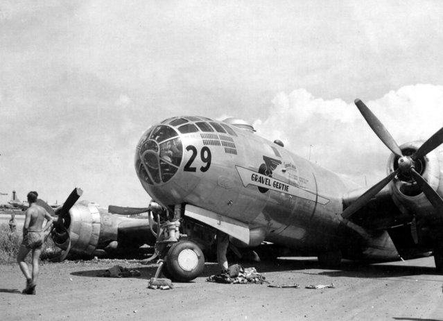 """Gravel Gertie"" (Z-Square 29). Martin-Omaha B-29-15-MO Superfortress, s/n 42-65221, 882nd BS, 500th BG, 20th AF. Show after suffering a landing gear collapse on August 6, 1945. (Photo from D. Sheley collection)"