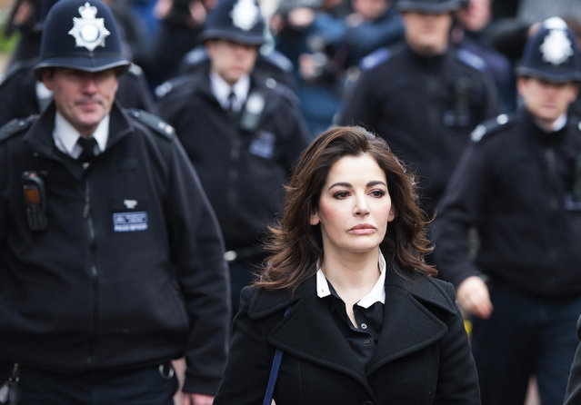 Television cook, Nigella Lawson arriving at Isleworth Crown Court in London where she is due to give evidence in the trial of two former personal assistants who worked for her and Charles Saatchi, on December 4, 2013. Italian Sisters Elisabetta and Francesca Grillo are accused of misappropriating funds while working for Saatchi and Lawson. (Photo by Ben Cawthra/LNP)