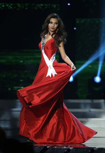 Miss Arizona Maureen Montagne competes in the evening gown competition during the preliminary round of the 2015 Miss USA Pageant in Baton Rouge, La., Wednesday, July 8, 2015. (Photo by Gerald Herbert/AP Photo)