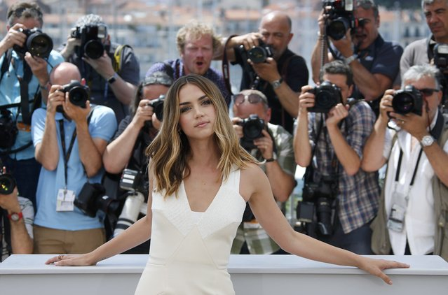 """Cast member Ana De Armas poses during a photocall for the film """"Hands of stone"""" out of competition at the 69th Cannes Film Festival in Cannes, France, May 16, 2016. (Photo by Jean-Paul Pelissier/Reuters)"""