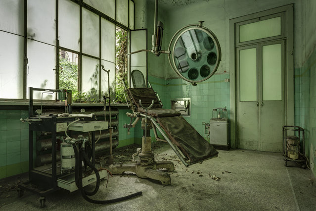 An old operating room left to decay. (Photo by Thomas Windisch/Caters News)
