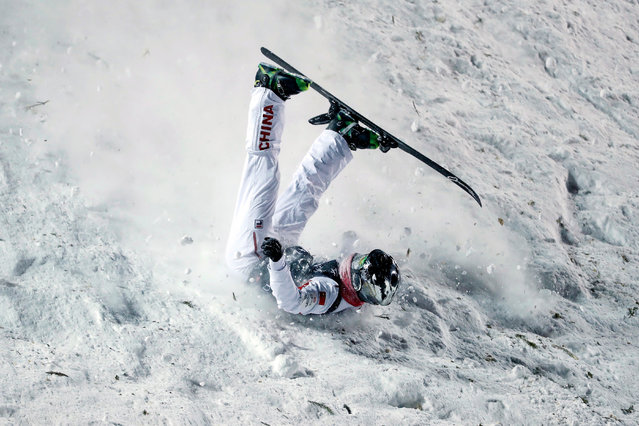 Xindi Wang of China crashes on his final jump during the men's Aerials for the FIS World Championships at Deer Valley Resort in Park City, Utah, 06 February 2019. (Photo by George Frey/EPA/EFE)