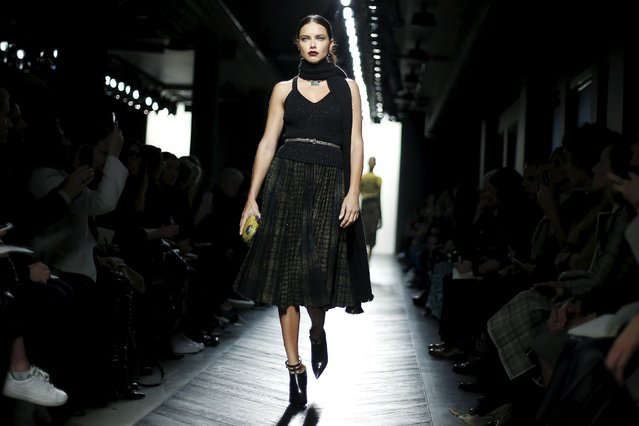 Model Adriana Lima presents a creation from the Bottega Veneta Autumn/Winter 2016 women's collection during Milan Fashion Week, Italy, February 27, 2016. (Photo by Alessandro Garofalo/Reuters)
