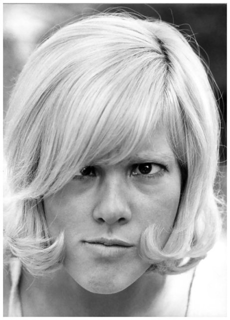 Sylvie Vartan, 1966, Laconville. (Photo by Willy Rizzo)