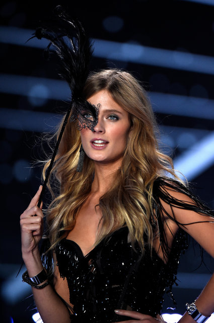 Model Constance Jablonski walks the runway at the annual Victoria's Secret fashion show at Earls Court on December 2, 2014 in London, England. (Photo by Pascal Le Segretain/Getty Images)