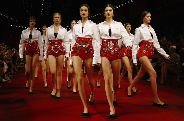 Models, including Kendall Jenner, present creations from the Dolce & Gabbana Spring/Summer 2015 collection during Milan Fashion Week, in this September 21, 2014 file photo. (Photo by Stefano Rellandini/Reuters)