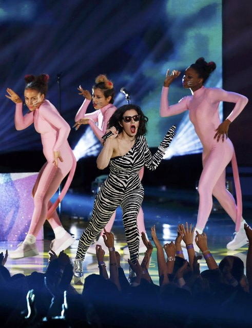 "Rapper Charli XCX performs ""Drop That Kitty"" during the 2015 MTV Movie Awards in Los Angeles, California April 12, 2015. (Photo by Mario Anzuoni/Reuters)"