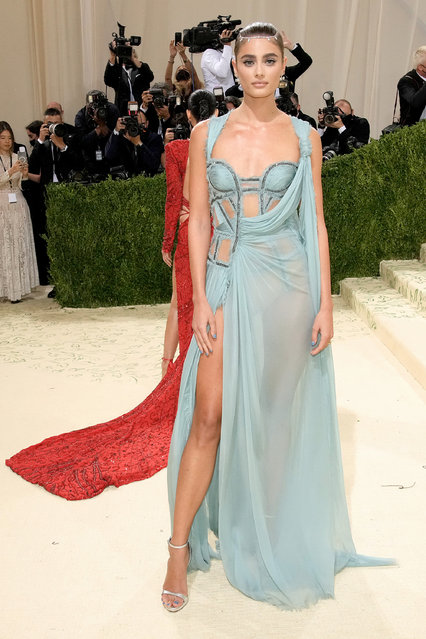 American model and actress Taylor Hill attends The 2021 Met Gala Celebrating In America: A Lexicon Of Fashion at Metropolitan Museum of Art on September 13, 2021 in New York City. (Photo by Jeff Kravitz/FilmMagic)