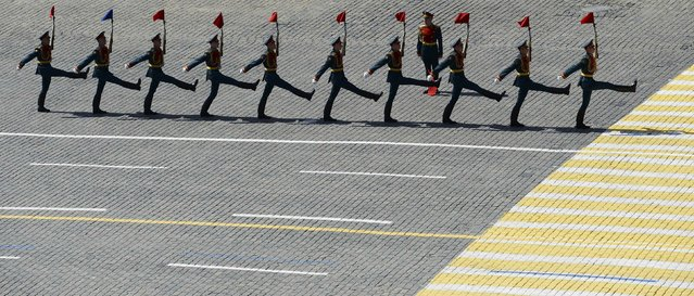Servicemen march during the Victory Day parade at Red Square in Moscow, Russia, May 9, 2015. (Photo by Reuters/Host Photo Agency/RIA Novosti)
