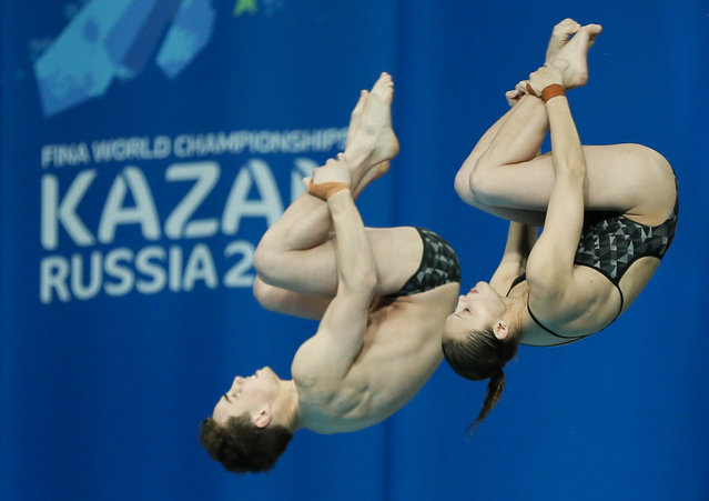 Australia's Domonic Bedggood and Melissa Wu dive to win bronze in the mixed 10m synchro platform final at the Aquatics World Championships in Kazan, Russia, July 25, 2015. (Photo by Stefan Wermuth/Reuters)