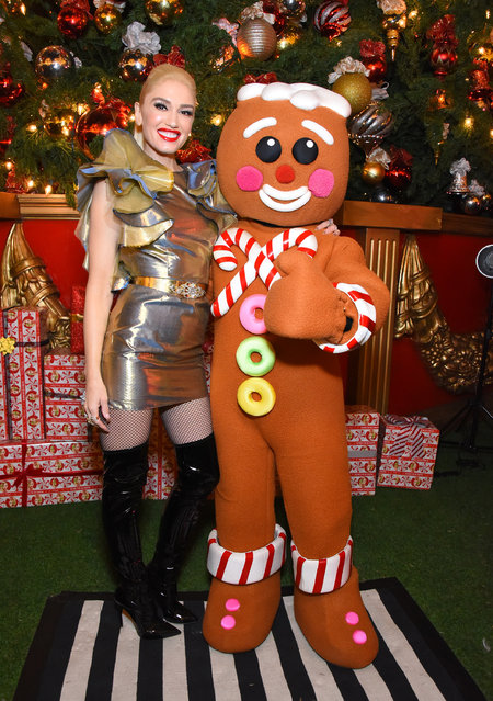 "Gwen Stefani signs her new album, ""You Make It Feel Like Christmas"" at The Grove on November 24, 2017 in Los Angeles, California. (Photo by Araya Diaz/Getty Images for Caruso)"