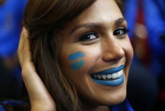 Miss Venezuela Debora Menicucci wears face paint during the Miss World sports competition at the Lee Valley sports complex in north London, November 26, 2014. (Photo by Andrew Winning/Reuters)