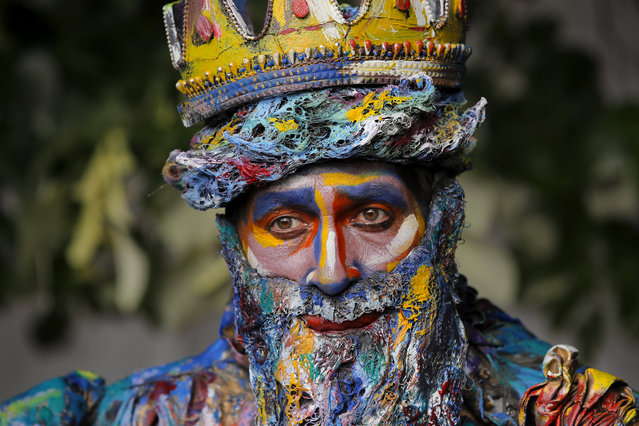 In this Sunday, May 27, 2018, photograph, an artist of Spain's Alucinarte Animacion Teatral performs the Neptune character at the Living Statues International Festival, in Bucharest, Romania. (Photo by Vadim Ghirda/AP Photo)