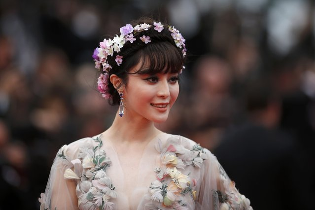 "Actress Fan Bingbing poses on the red carpet as she arrives for the screening of the film ""Mad Max: Fury Road"" out of competition at the 68th Cannes Film Festival in Cannes, southern France, May 14, 2015. (Photo by Benoit Tessier/Reuters)"