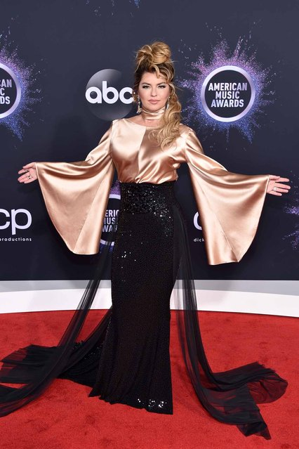 Shania Twain attends the 2019 American Music Awards at Microsoft Theater on November 24, 2019 in Los Angeles, California. (Photo by John Shearer/Getty Images for dcp)