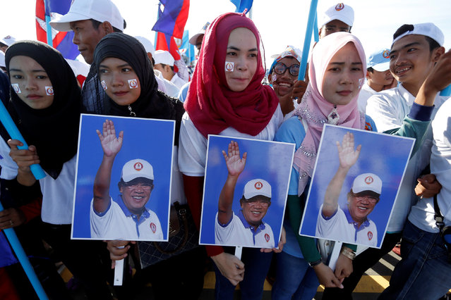 Supporters of Cambodia's Prime Minister and president of Cambodian People's Party (CPP) Hun Sen attend a campaign rally in Phnom Penh, Cambodia June 2, 2017. (Photo by Samrang Pring/Reuters)