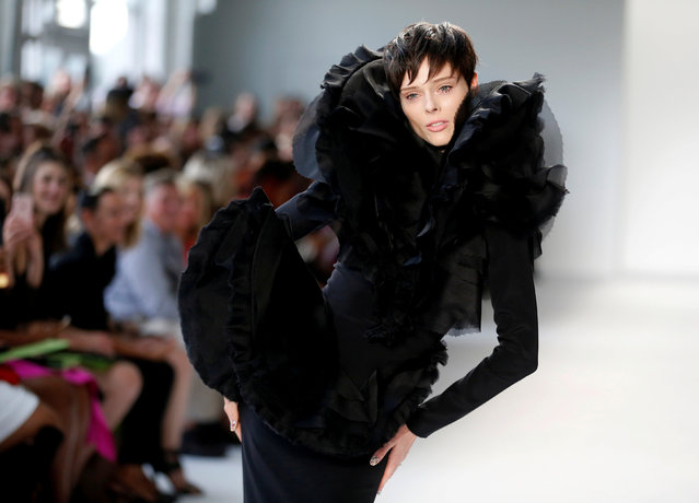 A model presents creations from the Christian Siriano Spring/Summer 2018 collection during New York Fashion Week in the Manhattan borough of New York City, September 9, 2017. (Photo by Joe Penney/Reuters)