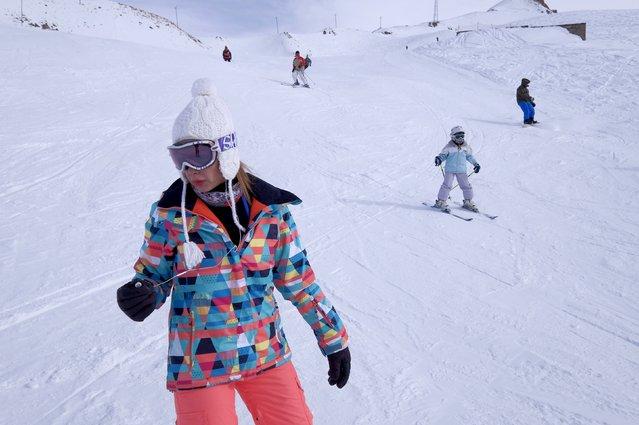 Iranians ski at the Dizin ski resort, northwest of Tehran January 15, 2016. (Photo by Raheb Homavandi/Reuters/TIMA)