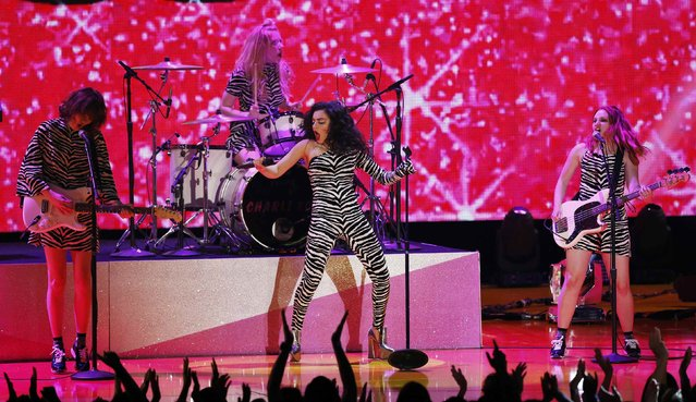 "Rapper Charli XCX performs ""Famous"" during the 2015 MTV Movie Awards in Los Angeles, California April 12, 2015. (Photo by Mario Anzuoni/Reuters)"
