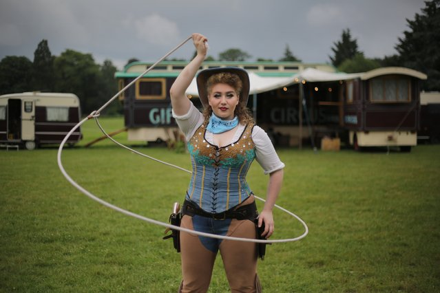 Gun-slinging, rope-spinning cowgirl Lilian Konyot. (Photo by Tom Pilston/The Guardian)