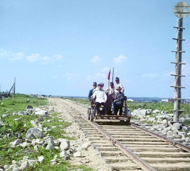 Photos by Sergey Prokudin-Gorsky. On the handcar outside Petrozavodsk on the Murmansk railway (Sergei Prokudin-Gorskii, an official and four railway workers (three Austrian prisoners) riding on a railroad handcar). Russia, Olonets province, Petrozavodsk uyezd (district), Petrozavodsk city, 1916