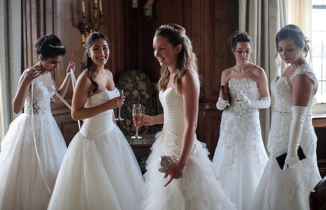 Debutantes gather at Leeds Castle during the Queen Charlotte's Ball on September 9, 2017 in Maidstone, England. (Photo by Jack Taylor/Getty Images)