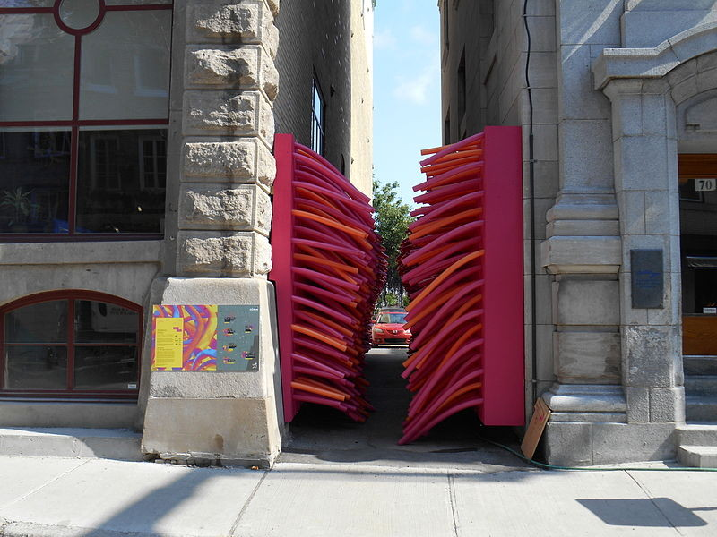 Delirious Frites Installation by Les Astronautes