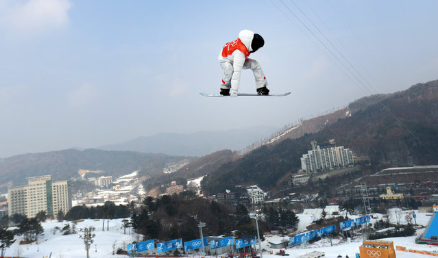 USA' s Shaun White practices for the Winter Olympics snowboarding competition at the Phoenix Snow Park in Pyeongchang, South Korea, 10 February 2018. (Photo by Mike Blake/Reuters)