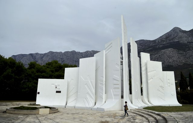 General view of a monument to the Revolution in Makarska, Croatia November 8, 2014. (Photo by Antonio Bronic/Reuters)