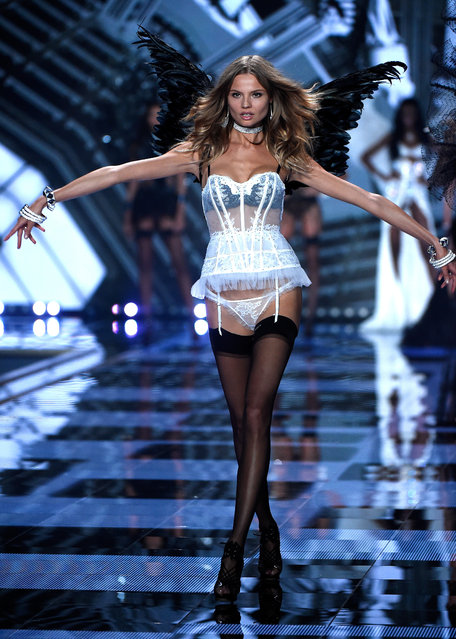 Model Magdalena Frackowiak walks the runway at the annual Victoria's Secret fashion show at Earls Court on December 2, 2014 in London, England. (Photo by Pascal Le Segretain/Getty Images)