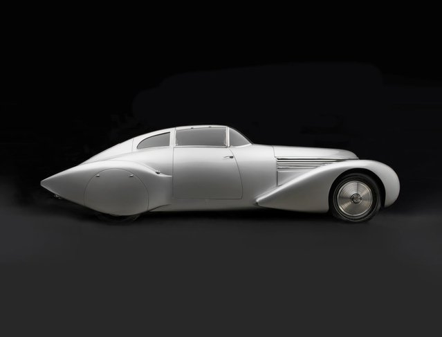 1937 Hispano-Suiza Xenia Coupe. Collection of Merle and Peter Mullin. (Photo by Peter Harholdt)