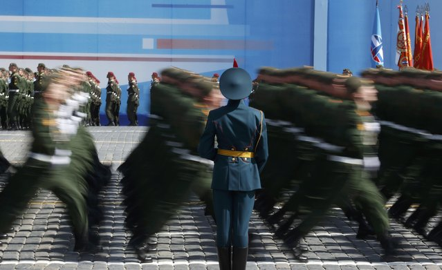 Servicemen march during the Victory Day parade at Red Square in Moscow, Russia, May 9, 2015. (Photo by Grigory Dukor/Reuters)
