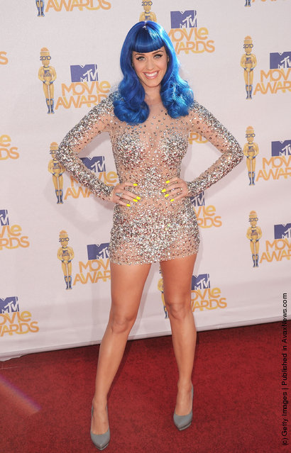 Singer Katy Perry arrives at the 2010 MTV Movie Awards at Gibson Amphitheatre on June 6, 2010 in Universal City, California