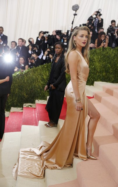 """Actress Amber Heard arrives at the Metropolitan Museum of Art Costume Institute Gala (Met Gala) to celebrate the opening of """"Manus x Machina: Fashion in an Age of Technology"""" in the Manhattan borough of New York, May 2, 2016. (Photo by Eduardo Munoz/Reuters)"""