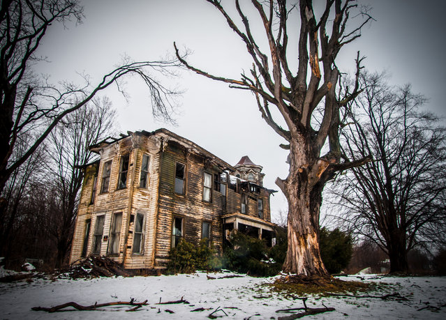 A general view of the subsequently demolished Geneva Victorian home in Ohio. Its owners are said to have been the richest in the area. (Photo by Jonny Joo/Barcroft Media)