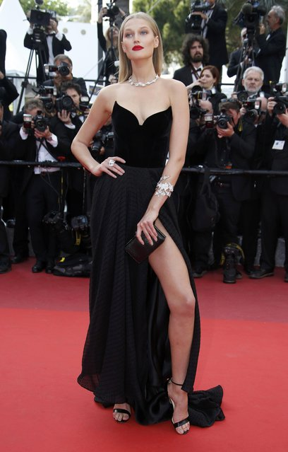 """Model Toni Garrn poses on the red carpet as she arrives for the screening of film """"Loving"""" in competition at the 69th Cannes Film Festival in Cannes, France, May 16, 2016. (Photo by Eric Gaillard/Reuters)"""