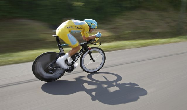 Race leader Astana team rider Vincenzo Nibali of Italy cycles during the 54-km individual time trial 20th stage of the Tour de France cycling race from Bergerac to Perigueux July 26, 2014. (Photo by Christian Hartmann/Reuters)
