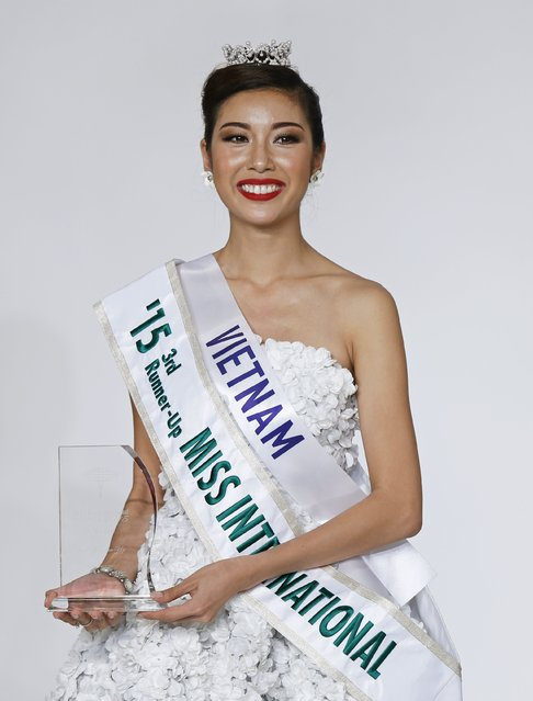 Pham Hong Thuy Van representing Vietnam smiles after awarded third runner-up of Miss International 2015 during the 55th Miss International Beauty Pageant in Tokyo, Japan, November 5, 2015. (Photo by Toru Hanai/Reuters)
