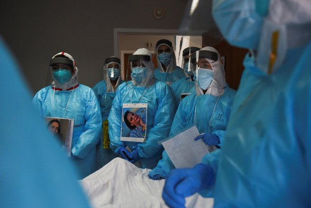 Healthcare workers treat patients infected with the coronavirus disease (COVID-19) at United Memorial Medical Center in Houston, Texas, U.S., December 28, 2020. (Photo by Callaghan O'Hare/Reuters)