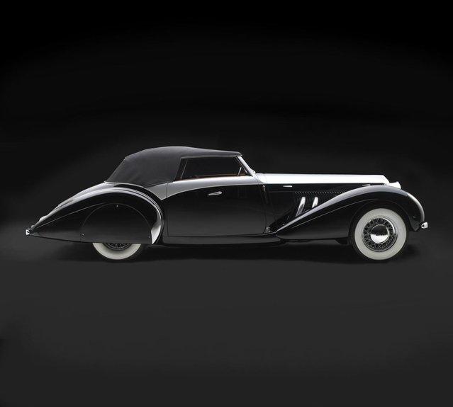 1939 Delage D8-120S Saoutchik Cabriolet. Collection of John W. Rich, Jr. (Photo by Peter Harholdt)