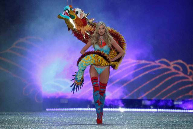 Model Elsa Hosk presents a creation during the 2016 Victoria's Secret Fashion Show at the Grand Palais in Paris, France, November 30, 2016. (Photo by Charles Platiau/Reuters)