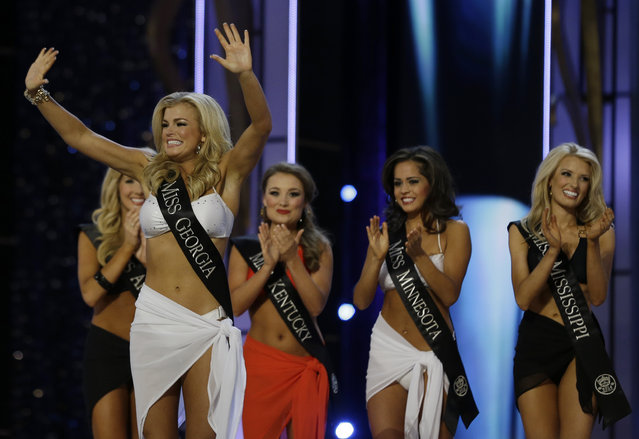 Miss Georgia Carly Mathis acknowledges the crowd after advancing beyond the lifestyle competition during the Miss America 2014 pageant, Sunday, September 15, 2013, in Atlantic City, N.J. (Photo by Mel Evans/AP Photo)